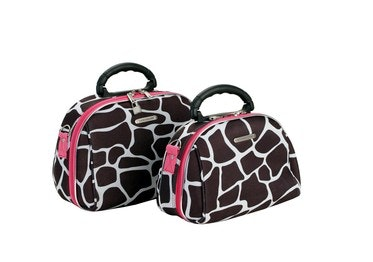 2 PC. Pink Giraffe Cosmetic Set, Luca Vergani